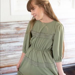 Other - Green Lace Trim Ruffle 3/4 Sleeve Dress